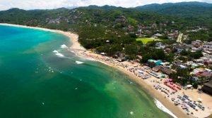 Vista area de la playa de Sayulita, Mexico